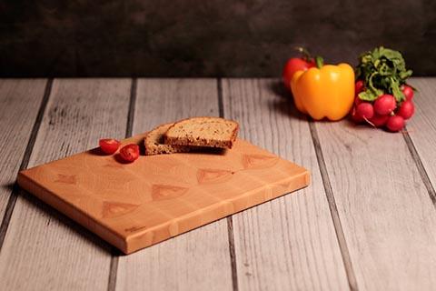 Brotzeitbrettl aus Stirnholz